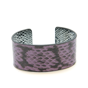 Bracelet 495a 01 CiTY snake scale leather cuff purple