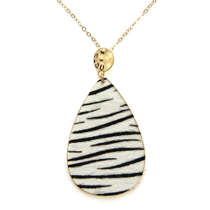 Necklace 2266a 01 City leather necklace tear drop stripes zebra white black