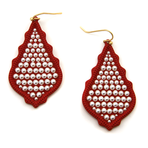 Earring 2175a 06 V tear drop bead earrings red
