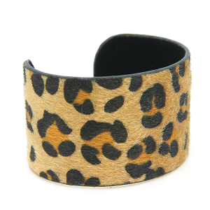 Bracelet 564b 24 Story By Davinci leopard cuff large light brown