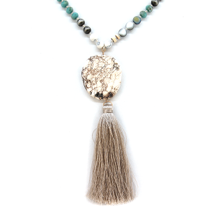 Necklace 577a 47 Oori W bead stone tassel necklace white