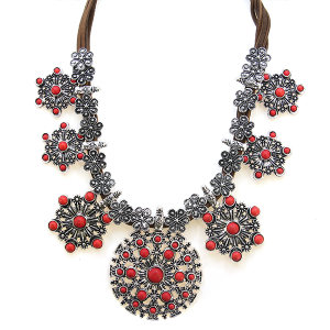 Neckalce 1980 58 C&C hex stone floral string collar necklace red