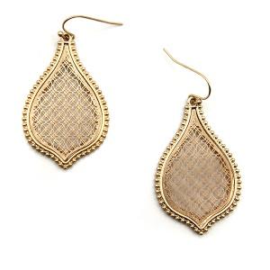Earring 4785 77 Pomina contemporary filigree tear drop earrings gold