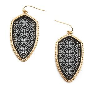 Earring 5540 77 Pomina contemporary filigree shield earrings gold black