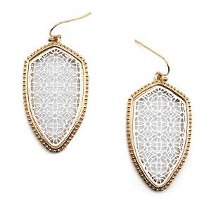 Earring 5585 77 Pomina contemporary filigree shield earrings gold white