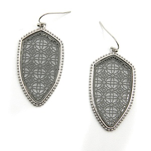 Earring 5558 77 Pomina contemporary filigree shield earrings silver gray