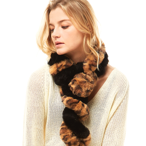 Scarf 530 04 LOF leopard faux fur oblong scarf black