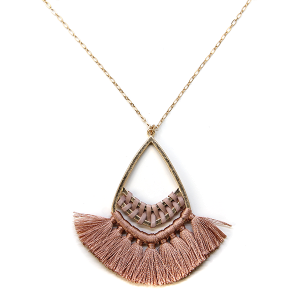 Necklace 1061 01 Influence tear drop contemporary tassel necklace pink