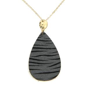 Necklace 2143a 01 City leather necklace tear drop stripes zebra gray black