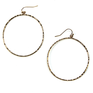 Earring 402e 06 V Contemporary hoop earrings gold
