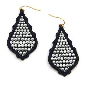 Earring 2169a 06 V tear drop bead earrings navy blue