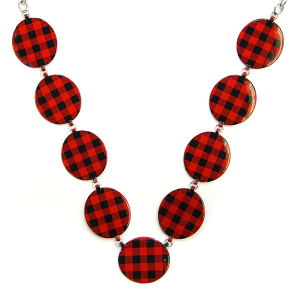 Necklace 463 18 Treasure buffalo plaid necklace links black red