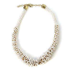 Necklace 460m 18 Treasure seed bead collar necklace white