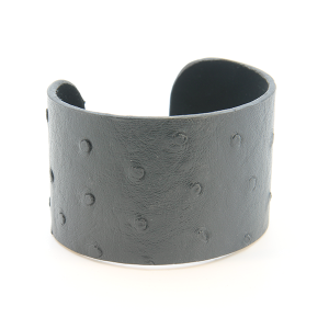Bracelet 675m 24 Story By Davinci open bangle leather spots tall black