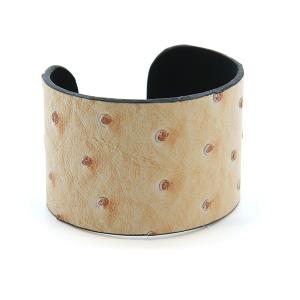 Bracelet 644u 24 Story By Davinci open bangle leather spots tall beige