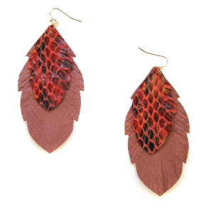 Earring 2327g 25 Tell Your Tale fringe leather earrings snake burgundy