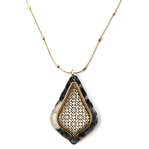 Necklace 641b 28 Line tear drop filigree resin necklace