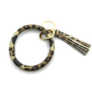 Keychain 250 34 round hoop leopard beige