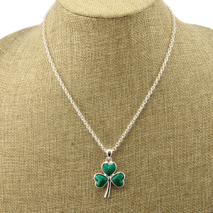 Necklace 1535g 40 Icon Collection shamrock green