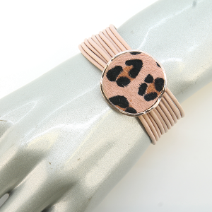 Bracelet 030a 41 ANE Collection string circle leopard accent magnetic clasp bracelet pink