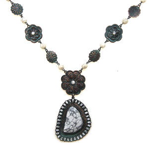 Necklace 2007c 47 Oori Navajo stone necklace patina white