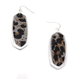 Earring 939c 50 It's Sense Leather Earrings Leopard hex silver
