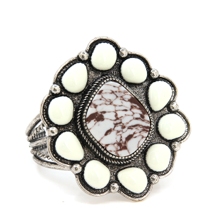 Bracelet 399m 58 Marvel stone tribal cuff white