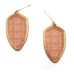 Earring 5560 77 Pomina contemporary filigree shield earrings gold coral