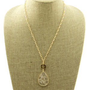 Necklace 2009a 78 A Project tear drop natural clear