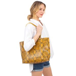 Fadivo CB1431 snake print leatherette shopper tote mustard