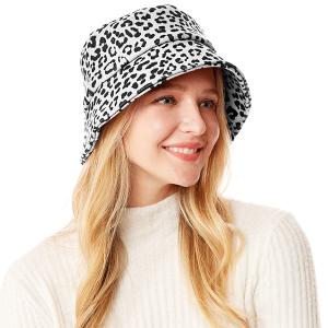 Bucket Hat 020p 04 LOF leopard print white