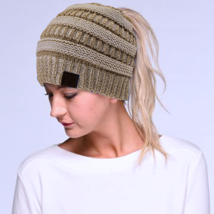 Winter CC Beanie 113a Messy Bun Beanie Pony Tail ivory gold metallic